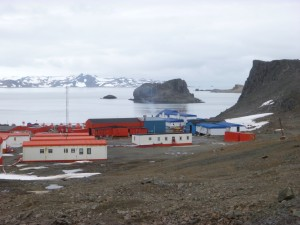 girls on the run antartica town